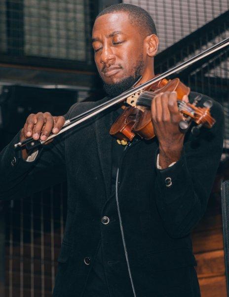 Brandon – Violinist